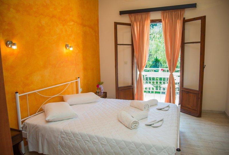 Aristides Studios| Balcony, vacation rental in Perama