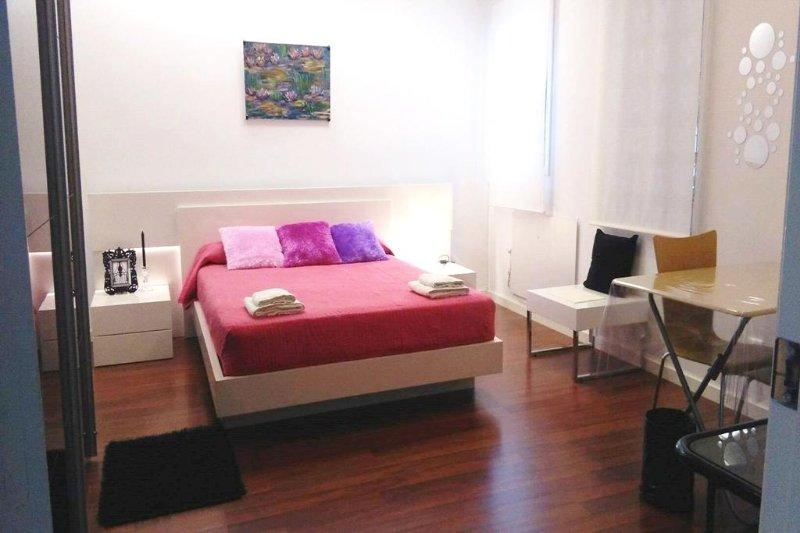 HABITACIÓN AMPLIA Y MODERNA EN TÁRREGA, holiday rental in Tarrega