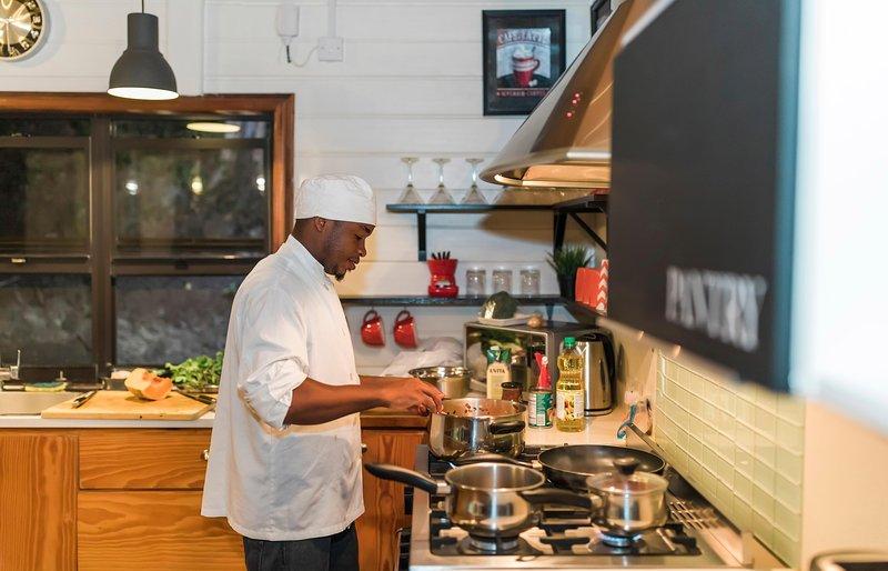 Smiley är Villa Pierre privata kock och en framstående och berömda 5-Star Chef i Saint Lucia