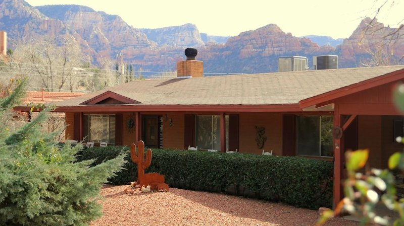 Front view of mid century modern Master House