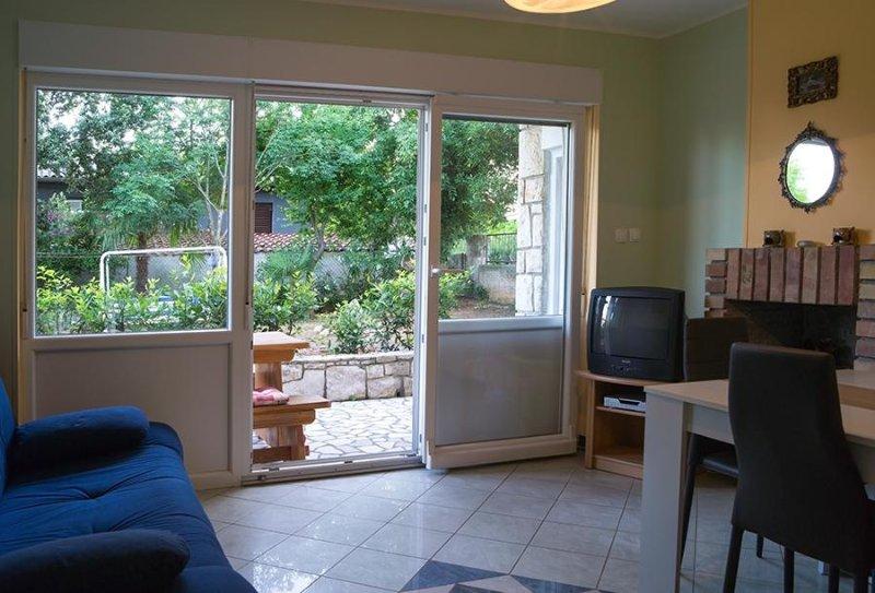 Apartment A1 in Villa Mimosa, 4+2, Banjole, Croatia, casa vacanza a Banjole