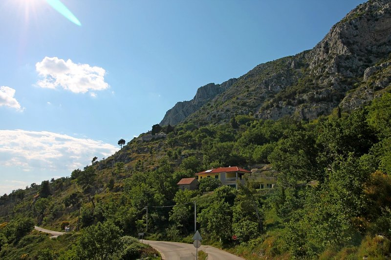 View on the Villa Maruncela from the local small road