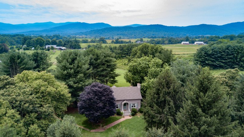 Experience charming LeFay Cottage! nestled at the foothills of the Blue Ridge Mountains.