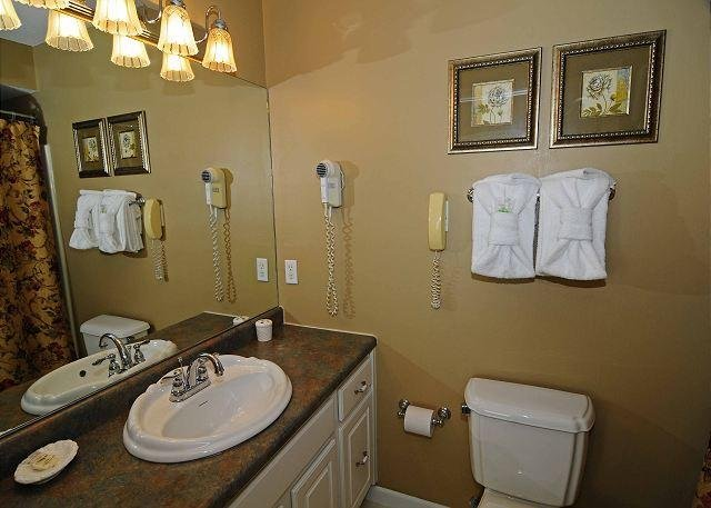 King Bath- Tub/Shower