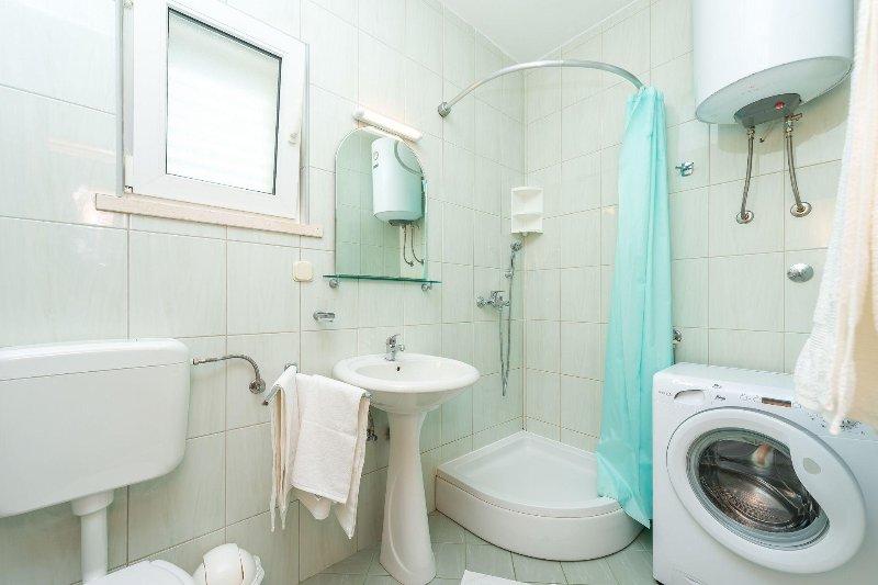 A1(3): bathroom with toilet