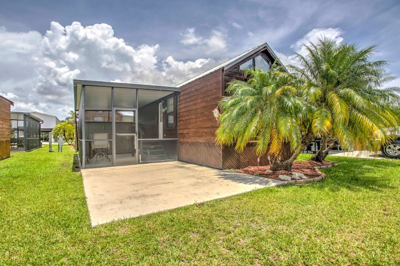 'Glades Haven' Cozy 1BR Everglades City Cabin, holiday rental in Everglades City