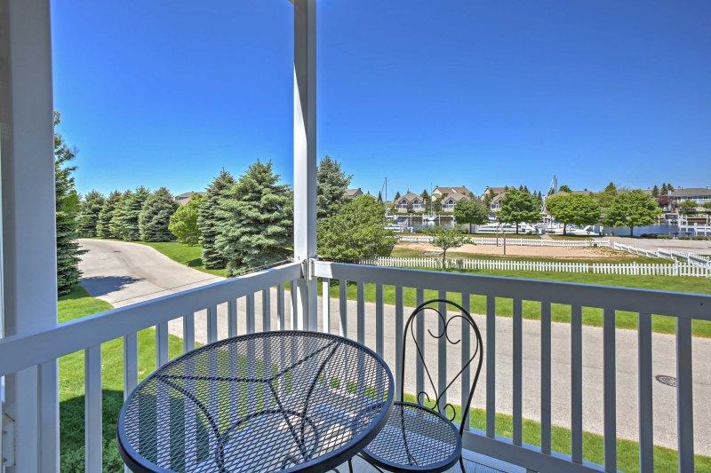 A rejuvenating Lake Michigan getaway awaits you at this 3-bedroom, 2-bathroom vacation rental condo in Harbor Village!