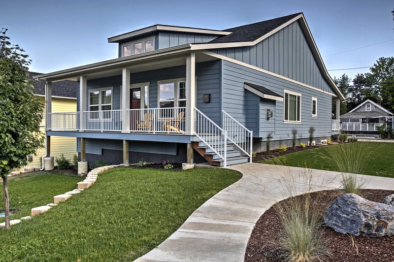 Enjoy Coeur d'Alene's main attractions from this newly constructed 4-bedroom, 3-bathroom vacation rental house!