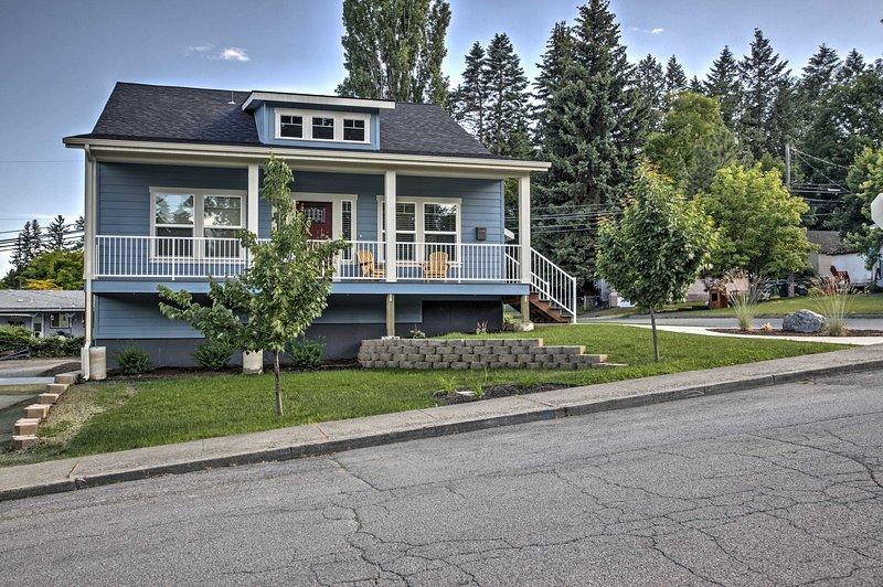 Sortez sur le porche avec votre café et profitez du quartier tranquille.