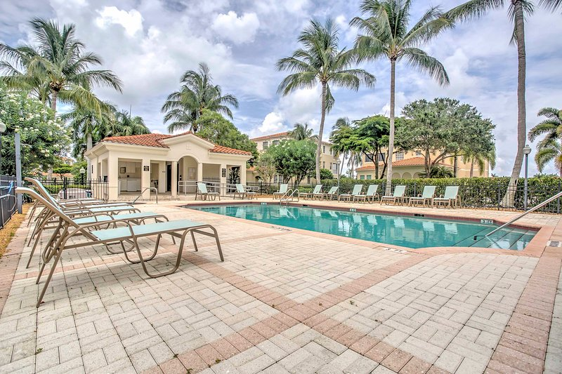 Escape to Fort Myers and enjoy a relaxing getaway at this vacation rental condo!