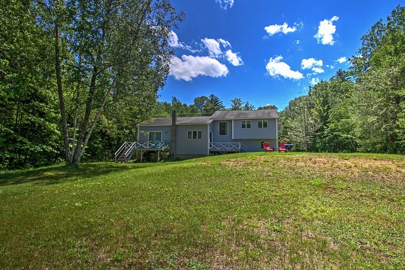 Escape to this gorgeous 3-bedroom, 2-bathroom vacation rental home located on Gunstock Acres.