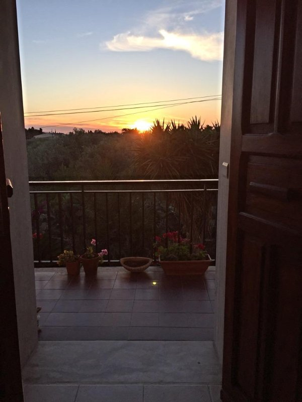 The sunset that can be seen from the dining table