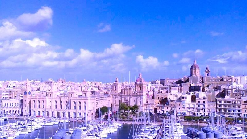 Seaview & Marinaview in historical centre, vacation rental in Mosta