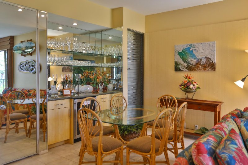 Dining area with bar and wine chiller