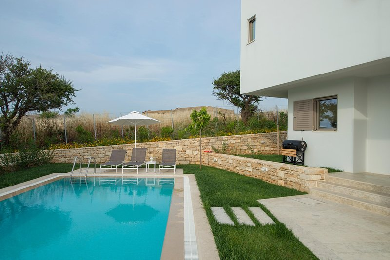 Villa Giasemi, brand new with private pool, near the beach, Sofia Luxury Villas, holiday rental in Panormos