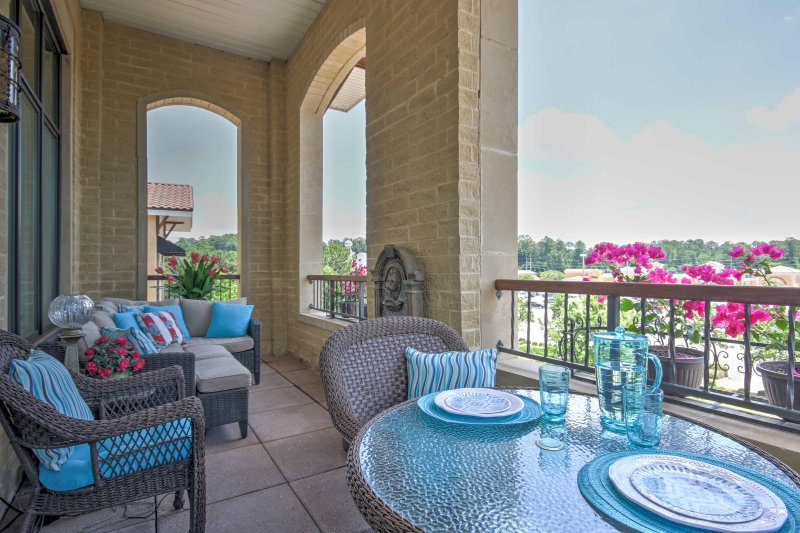 Columbia penthouse w furnished veranda city views updated