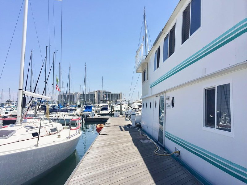 Houseboat/ Floating Home in Beautiful San Diego Bay! UPDATED 2019