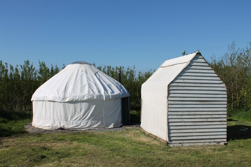 Beautiful Yurt 1 on a secluded coastal site, holiday rental in Little Haven