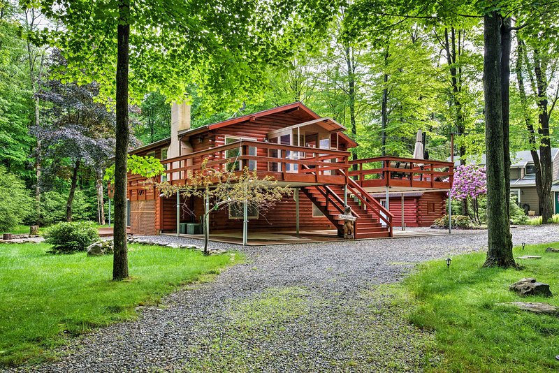 Escape to this 5-bedroom, 3-bathroom vacation rental house in a private lake community for a once-in-a-lifetime getaway in Blakeslee!