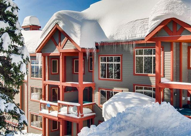 Snowbanks Estate