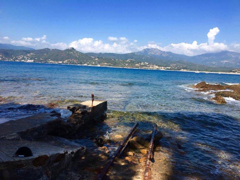 Villa les pieds dans l'eau, alquiler de vacaciones en Calcatoggio
