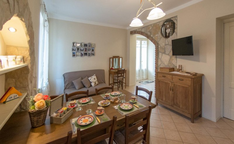 il Roseto holidays casa vacanza per ogni occasione,divertimento,relax ......., holiday rental in Castelnuovo del Garda