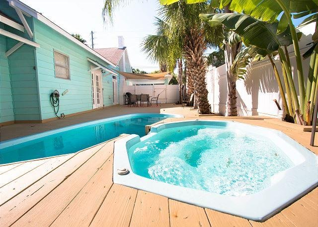 Peachy Cambria Clearwater Beach Rental By Beachhousefl Ask For Last Beutiful Home Inspiration Ommitmahrainfo