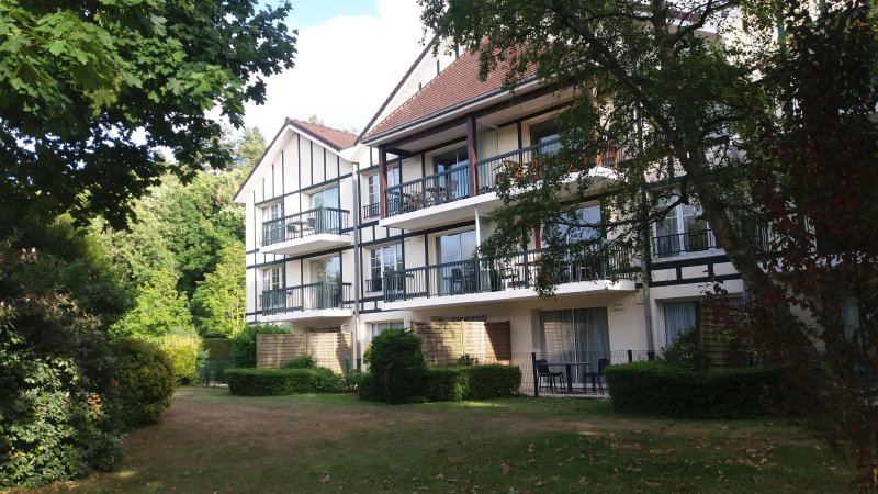 Apartment 3 * Hotel Park lyx bostad, pool, tennis, park