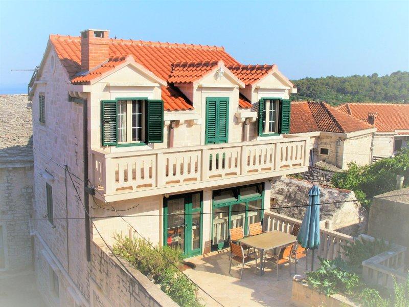 Charming stone house, alquiler vacacional en Selca