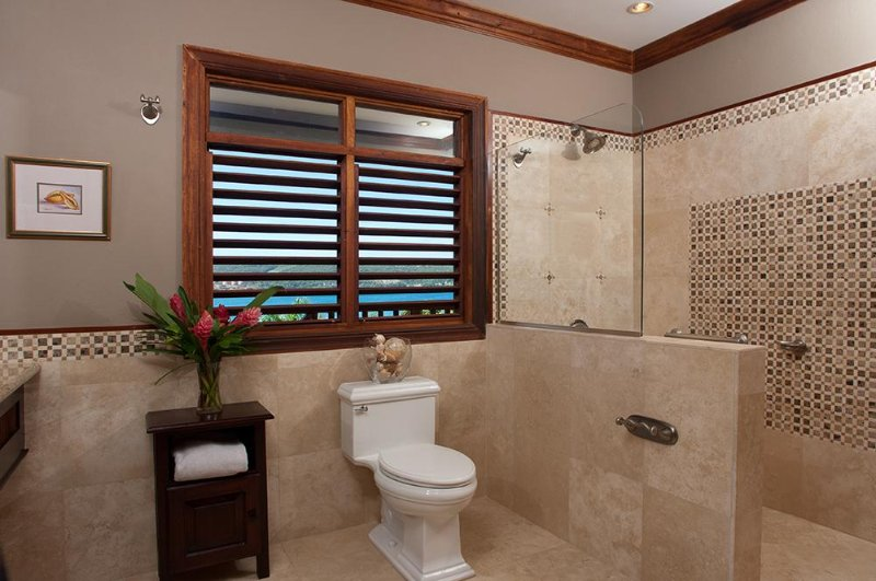 Papaya Bathroom