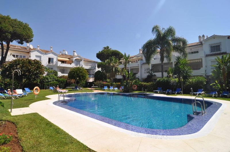 El Presidente KENT spacious luxury, 6 pools, wifi, close to