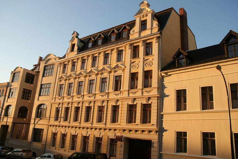 Haus Gründerzeit - 4 Fewos in ruhiger Zentrumslage, location de vacances à Gorlitz