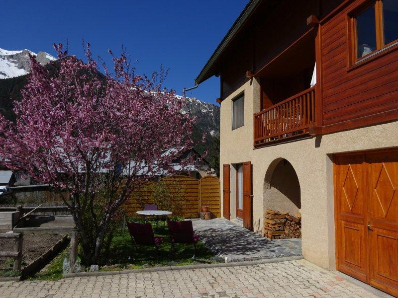 Calme et lumineux, appartement pour 2 - 3 personnes,, holiday rental in Ceillac