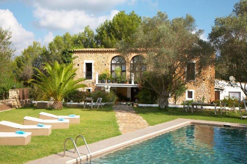Villa estilo puro de Ibiza con piscina pra 12 pers, location de vacances à Nuestra Senora de Jesus