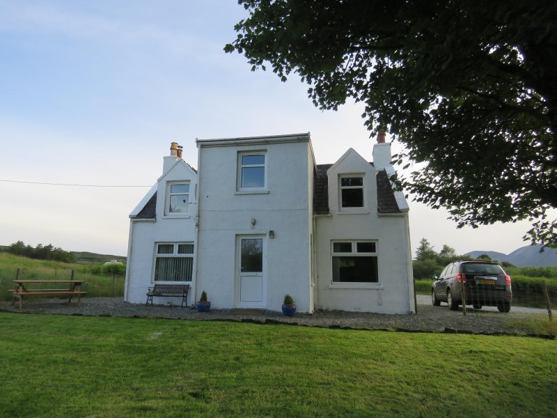 The White House, holiday rental in Broadford