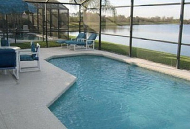Stunning lakeview villa with private pool,near disney,games room,free wifi,golf, vacation rental in Saint Cloud