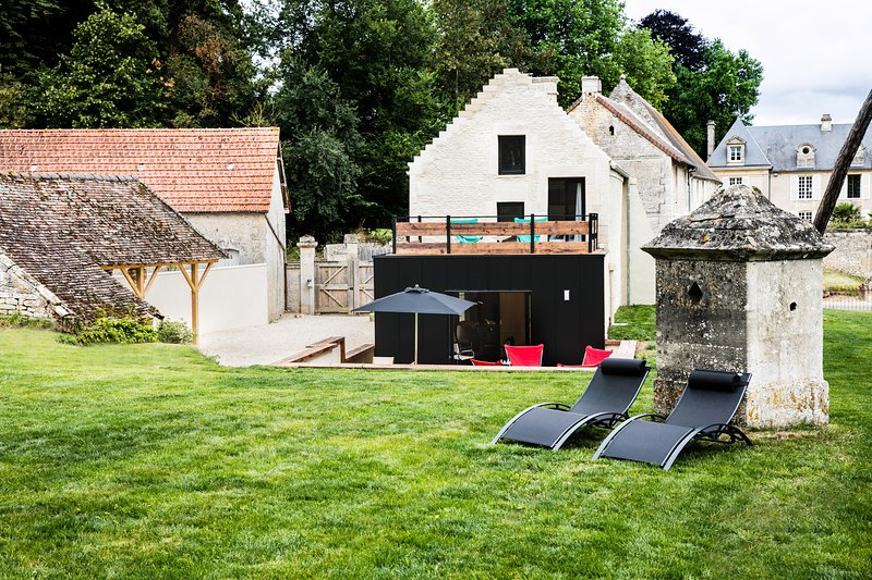 L'ANNEXE - CHEZ LAURENCE DU TILLY, vacation rental in Reviers