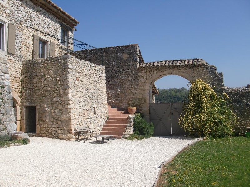 Gite dans mas de caractere, holiday rental in Saint-Andre-d'Olerargues
