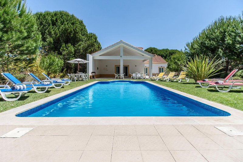 Villa Quinta do Peru I, holiday rental in Setubal District