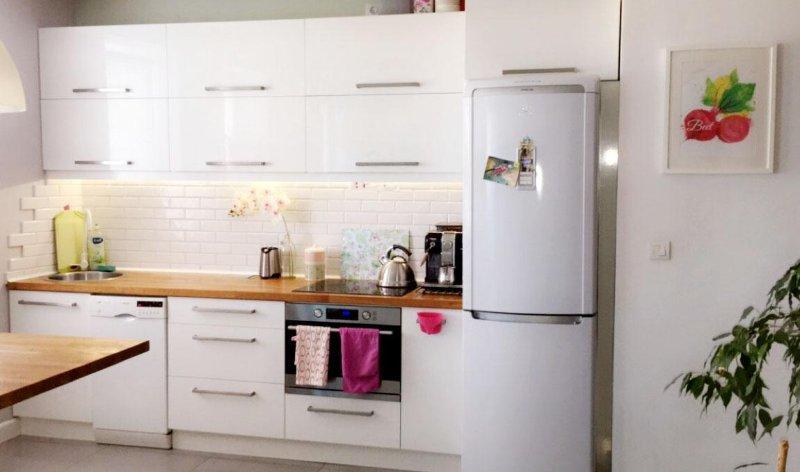 Full 2 room apartment in calm area of Krakow, casa vacanza a Wegrzce