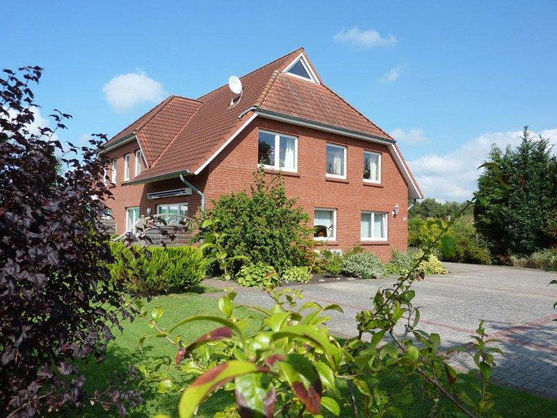 Helle und freundl. Ferienwohnung in Hesesl, Ostfriesland, holiday rental in Rhauderfehn