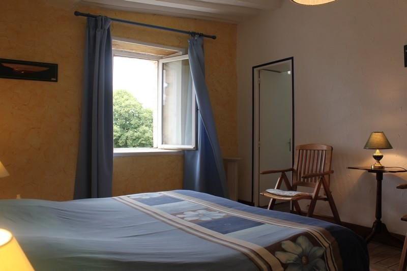 Classic room with a king bed or 2 beds 180