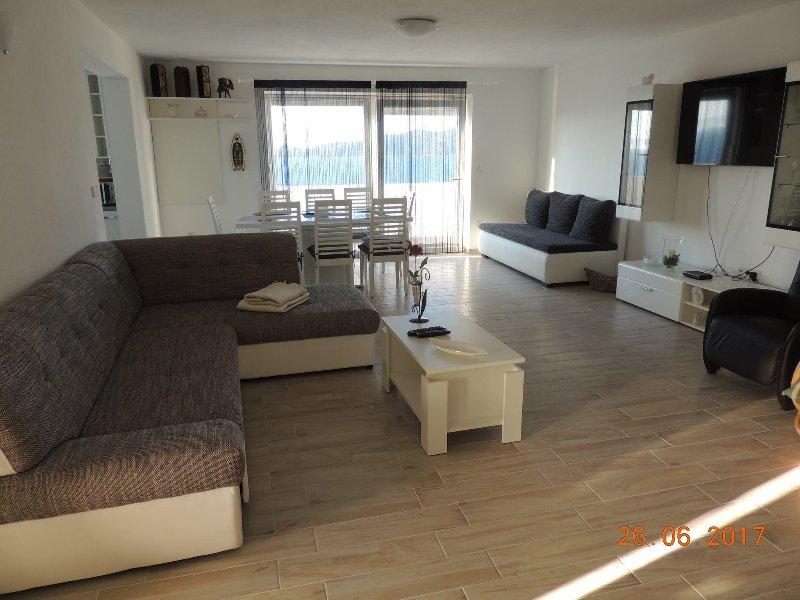 Apartman Magdalena Delux, vacation rental in Racisce