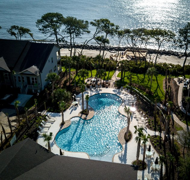 Aerial view of the pool and walkway to the beach.