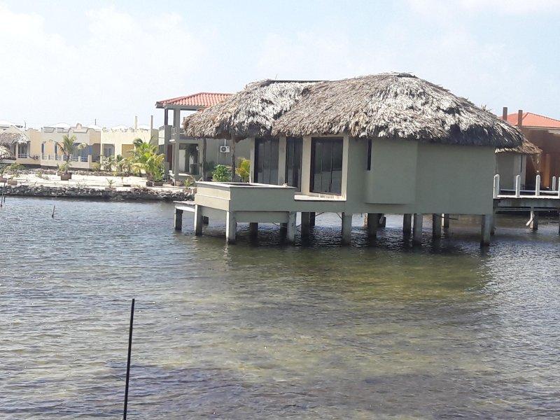sobre el agua Cabana