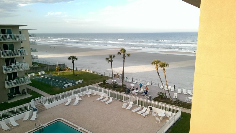 Florida-Strandwohnung / Ferienwohnung direkt am Strand von New Smyrna Beach, vacation rental in Edgewater