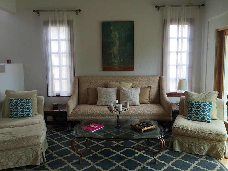 Jacqueline's Bed and Breakfast, holiday rental in Punta Banda