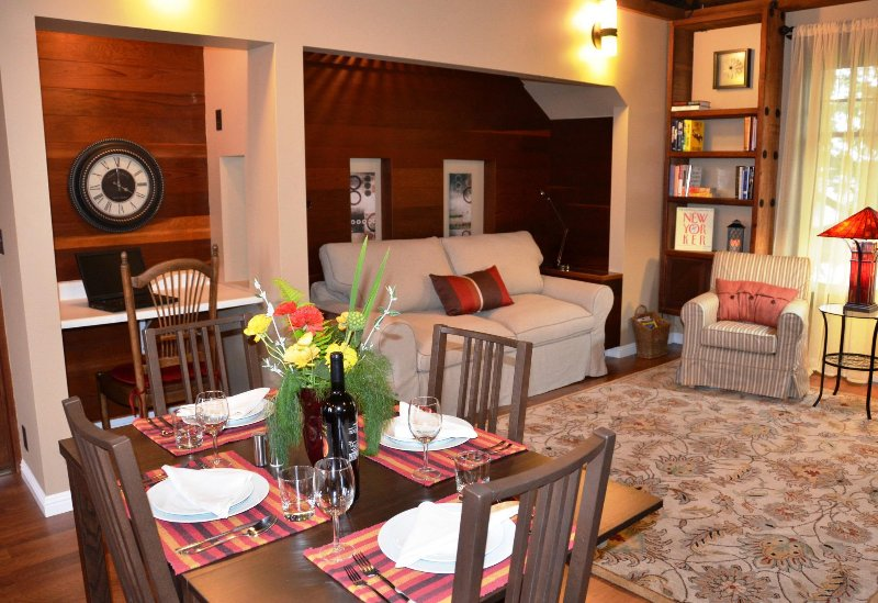 Arcata Stay's Gateway Stay 2 BD / 2 BA vakantiewoning interieur