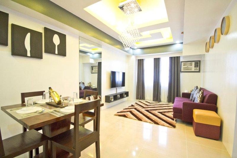 2 Bedroom Condo (Best Location Best View Cebu City), vacation rental in Cebu City