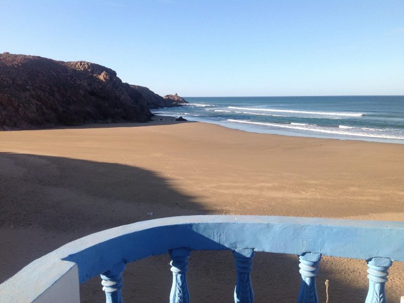 Double room in beach house, vacation rental in Mirleft